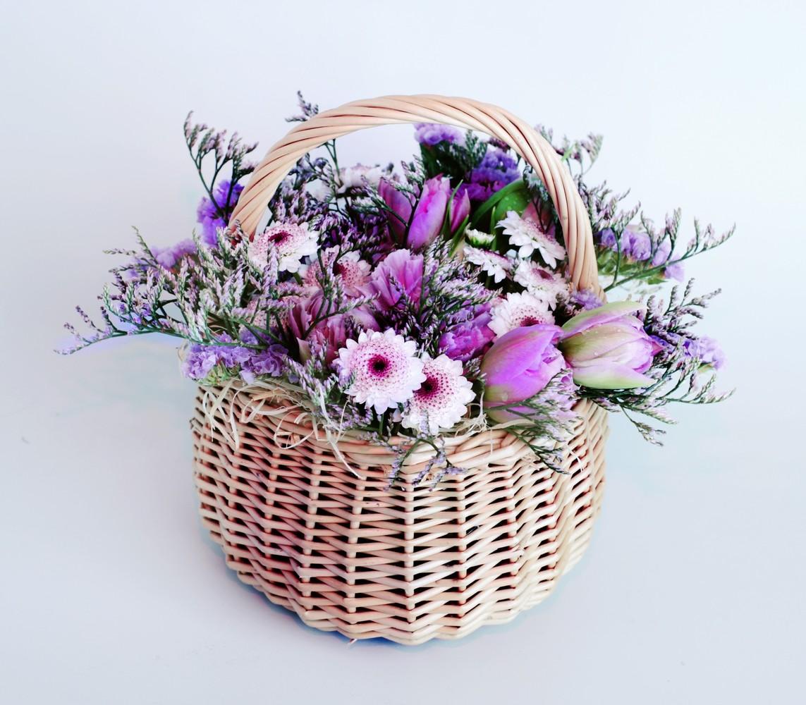 Букеты цветов в корзинах недорого, цветы букете названия