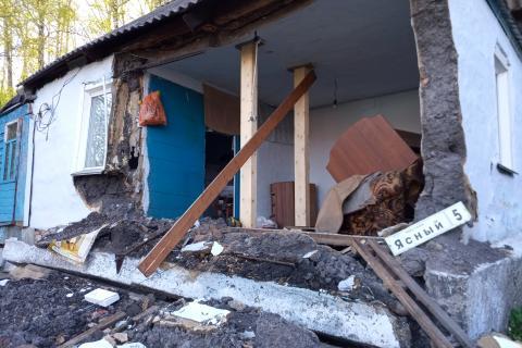 Разрушение стены жилого дома в г.Горно-Алтайске Республики Алтай
